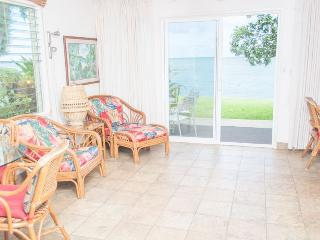 Beautiful Condo with Internet Access and DVD Player - Kapaa vacation rentals