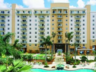 Cozy 2 bedroom Condo in Pompano Beach with Internet Access - Pompano Beach vacation rentals