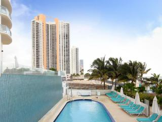 Luxurious 1/1 Ocean View Unit at the Marenas Resort! - Sunny Isles Beach vacation rentals