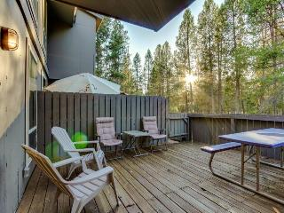 Newly decorated with resort amenities - Sunriver vacation rentals