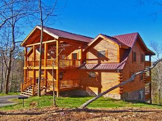 4 bedroom Cabin with Fireplace in Pigeon Forge - Pigeon Forge vacation rentals