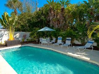 Perfect Villa with Internet Access and Dishwasher - Holmes Beach vacation rentals