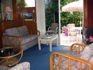Aruba Deluxe Apt. 2 - Near Beach Restaurants Shops - Oranjestad vacation rentals
