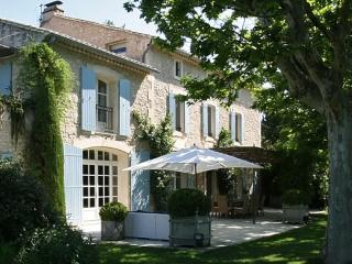 Two Large farmhouses within walking distance of St. Remy - Le Mas de Lavande - Saint-Remy-de-Provence vacation rentals