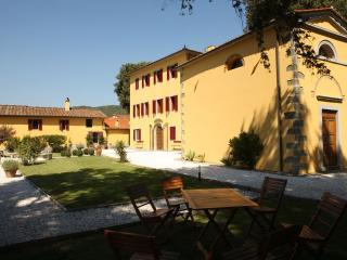 Ancient Summer Villa in Hills Near Spa Town of Montecatini - Villa Vita Agiata - Massa e Cozzile vacation rentals