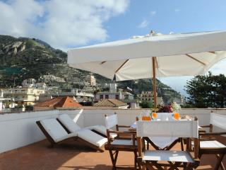 Historic Amalfi Coast Apartment in Maiori - Casa Maiori - Maiori vacation rentals