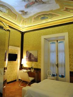 Historic Amalfi Coast Apartment in Maiori - Casa Maiori - Maiori vacation rentals