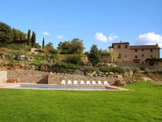 Chianti Villa with Private Pool and Views - Villa Nido - Pievasciata vacation rentals