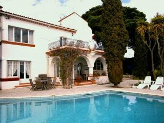 Villa in Cannes with a Private Pool  - Villa Croix des Gardes - Cannes vacation rentals
