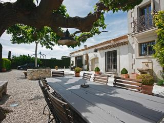 Family-Friendly Provence Villa with Pool - Mas Alpilles - Eygalieres vacation rentals