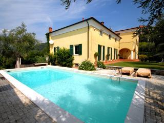 Italian Riviera House with Pool - Villa Riviera - 9 - Bolano vacation rentals
