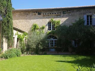 Villa in Historic Small Town Near Avignon - Villa Cardinal - Villeneuve-les-Avignon vacation rentals