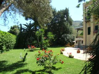 Cozy Apartment with Views of Palermo - Vista Palermo - Palermo vacation rentals