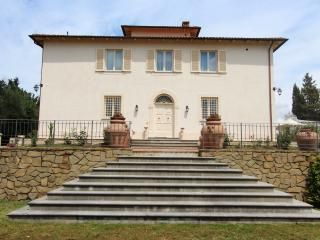 Beautiful Tuscany Villa for a Large Group with Spectacular Views - Villa Pucci - Certaldo vacation rentals