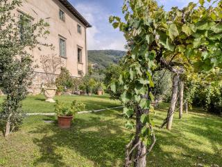 Historic Villa Near Lucca with Private Pool and Magnificent Views  - Villa Guinigi - 12 - Mastiano vacation rentals