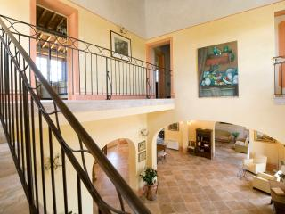 Beautiful Farmhouse with Expansive Views in Coastal Southern Tuscany  - Villa - Cecina vacation rentals