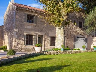 St Remy Villa with Pool and Movie Theater  - Mas de Gabin - 15 - Saint-Remy-de-Provence vacation rentals
