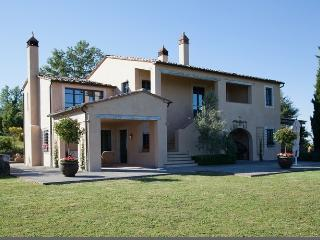Renovated Farmhouse Villa in Southern Tuscany for Families - Villa Corso - Palazzone vacation rentals