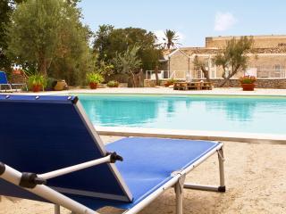 Large Villa in Southern Sicily with Pool Near Modica - Villa Corallo - 12 - Modica vacation rentals