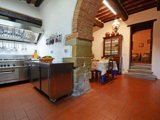 Villa with Pool and 2 Guesthouses for a Group in Eastern Tuscany - Girasole - 20 - Anghiari vacation rentals