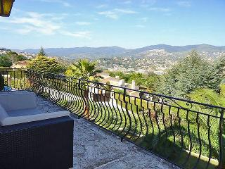 Villa Walking Distance to La Napoule and Close to Cannes - Villa Napoule - La Napoule vacation rentals