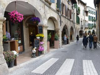 Historic Veneto Apartment with Views in Center of a Charming Town - Casa Asolo - Asolo vacation rentals