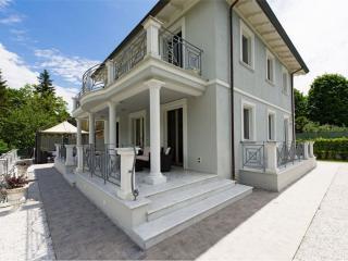 Villa with Pool and Rec Room Near Tuscan Coast - Villa Sibilla - Camaiore vacation rentals