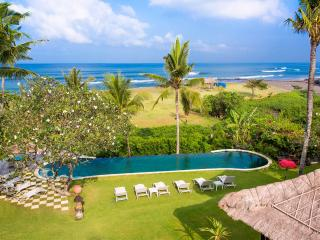 Sungai Tinggi Beach Villa - an elite haven - Pererenan vacation rentals