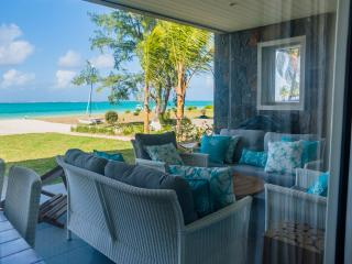 Summer Breeze: 3 BDR beachfront  (couples'offer) - Pointe d'Esny vacation rentals