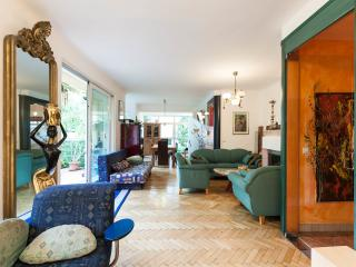 Prime Rooms - Vienna vacation rentals