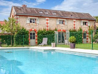 Lovely 9 bedroom House in Saint-Astier - Saint-Astier vacation rentals