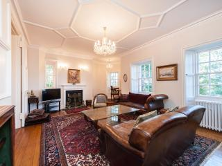 Old Town Apartment overlooking Edinburgh Castle - Edinburgh vacation rentals
