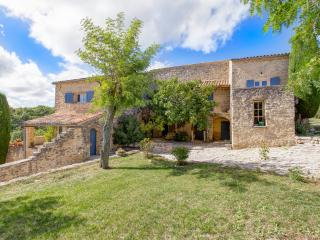Perfect House with DVD Player and Fireplace - Saint-Michel-l'Observatoire vacation rentals