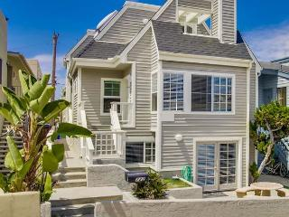 Comfortable Home In Heart Of Classic Southern CA Beach Living With A/C - San Diego vacation rentals
