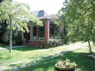 Cozy 3 bedroom Modica Villa with Internet Access - Modica vacation rentals