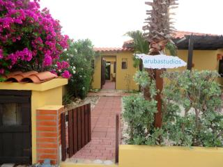Aruba Studios, 3 minutes drive from the beach - Noord vacation rentals