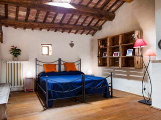 Il Giardino Segreto (stanza Gelsomino) - Cison Di Valmarino vacation rentals