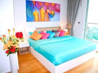 Trendy 2 Bedrooms Sea views in Patong ! - Patong vacation rentals