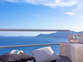 Secret Escape Private Villa with indoor jacuzzi - Oia vacation rentals