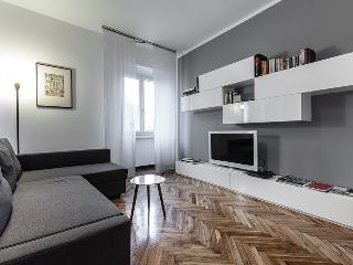 MILANO SAN LORENZO APARTMENT - Milan vacation rentals