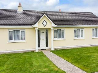 4 GLENWOOD, open fires, en-suite, enclosed garden, peaceful position and great touring base, Mallow, Ref. 928565 - Mallow vacation rentals