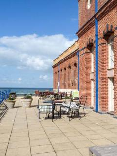 TURNER'S VIEW TERRACE, beautiful apartment with sea views, Sky TV, en-suite, balcony, WiFi, in Margate, Ref. 930038 - Margate vacation rentals