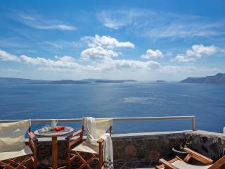 Full Moon Villa, jacuzzi, volcano & sea view - Oia vacation rentals