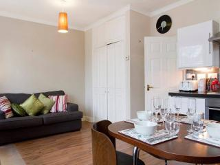 1 bedroom Apartment with Internet Access in London - London vacation rentals