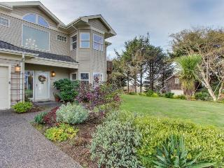 Spacious home, beautiful views, walk to Tolovana Beach! - Cannon Beach vacation rentals