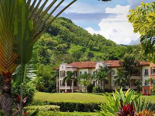 Amazing Luxury, Spacious Condo, Great View, Close to Resort Amenities by HRG - Herradura vacation rentals
