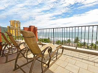 Luxury and Location: Vista Mar Beach Front Penthouse at Cocal Hotel & Casino! - Jaco vacation rentals