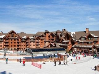 Ski in/out   Grand Lodge at Peak 7 Large 1 bedroom - Breckenridge vacation rentals