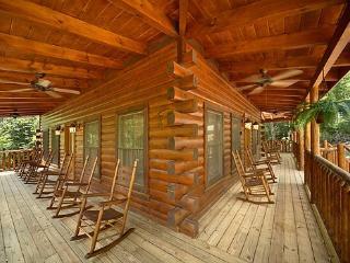 POOL HOUSE - Gatlinburg vacation rentals