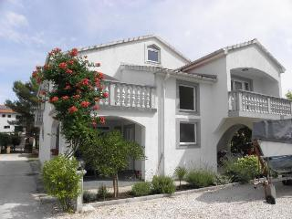 Adorable 2 bedroom Vacation Rental in Nin - Nin vacation rentals